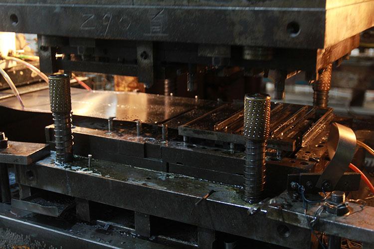 米乐m8外框生产
